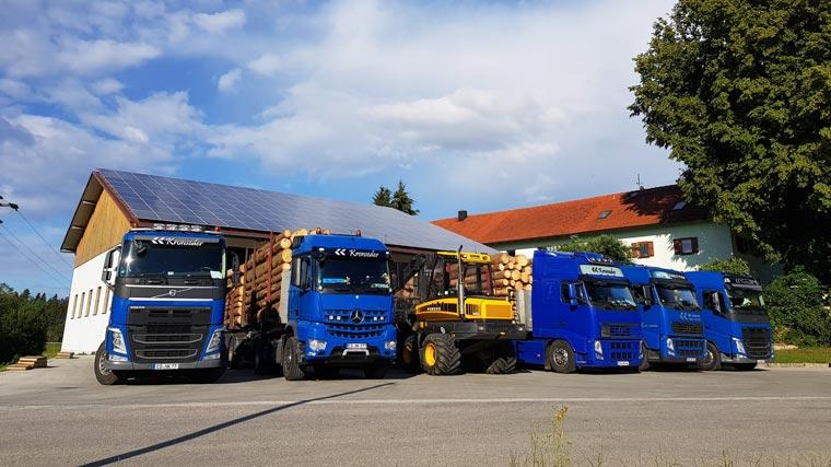 Lastwagen von Holzhandel und Transporte Kronseder